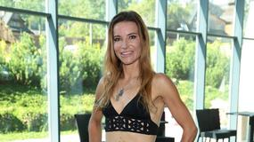 Karolina Pilarczyk na basenie w bikini