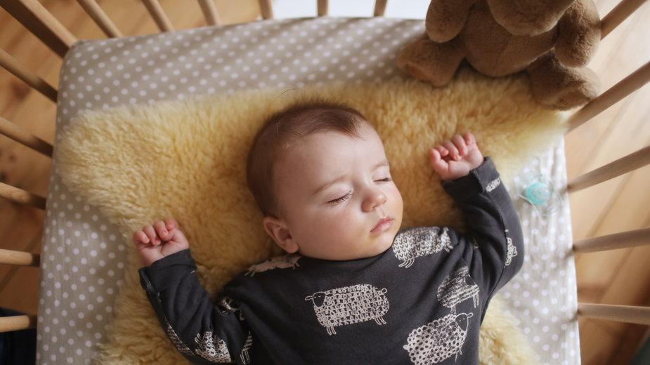 Jaka powinna być wilgotność w pokoju dziecka? Jak ją zmierzyć?
