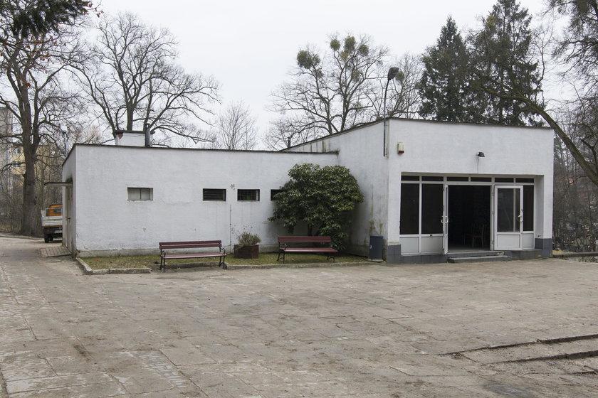 Stary dom pogrzebowy na Cmentarzu Komunalnym w Sopocie