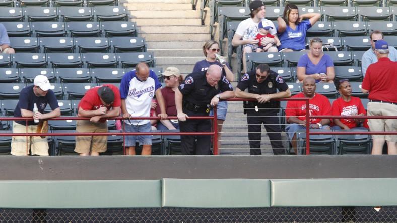 Śmierć kibica na stadionie Texas Rangers