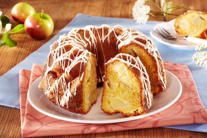 kolač sa jabukama - jeftin, sočan, mirisan i savršeno ukusan