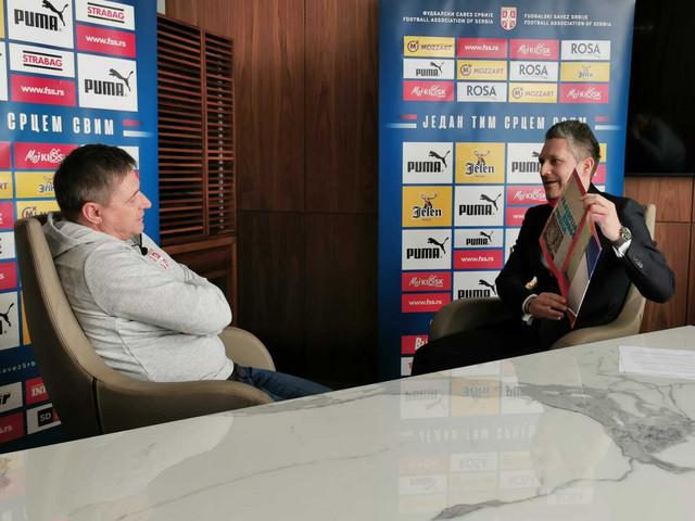 Dragan Stojković Piksi tokom intervjua za sajt Fudbalskog saveza Srbije