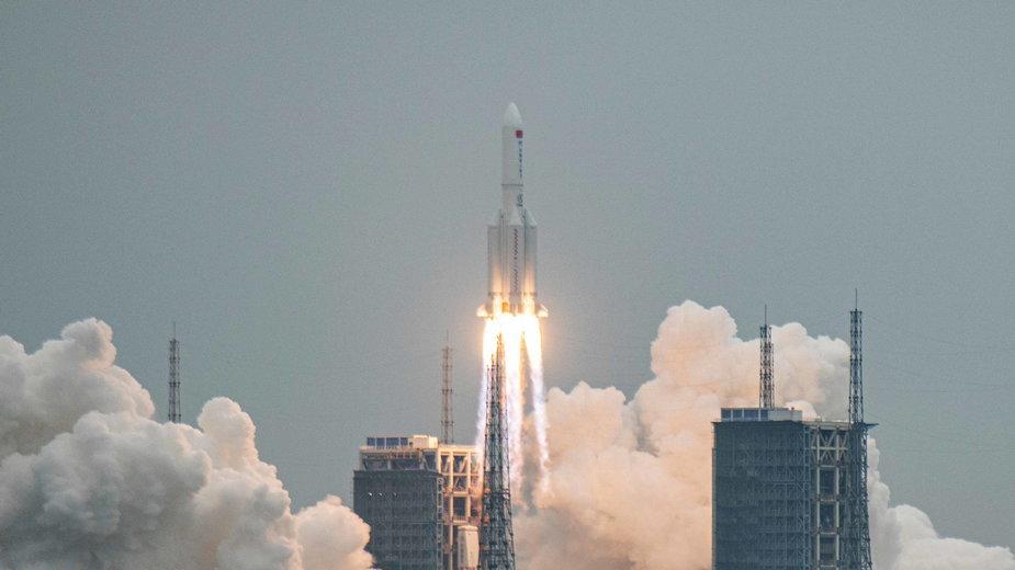 Start rakiety Long March 5B