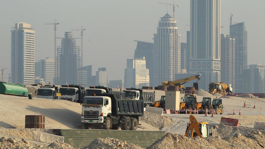 Budowa stadionów na mundial w Katarze
