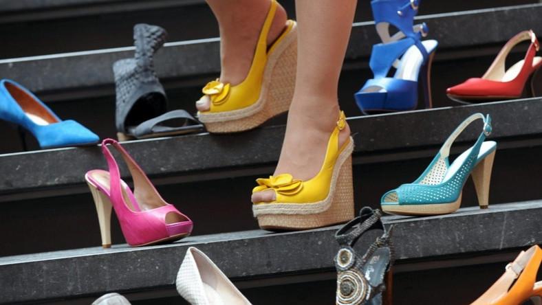 Co decyduje o tym, jakie buty wybierają kobiety?