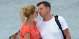 """Gwiazda """"Barw szczęścia"""" z mężem nad morzem. Ależ oni się kochają!"""