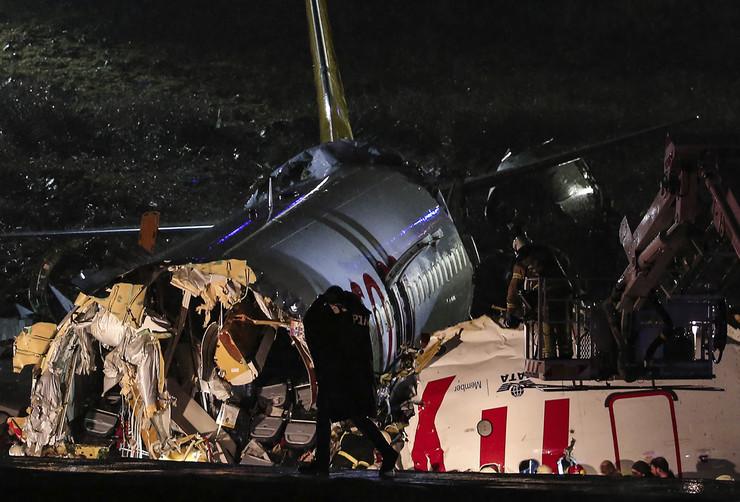 Turska avion aerodrom nesreća