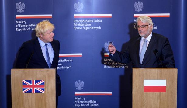 Szef MSZ wraz z szefem MSWiA Mariuszem Błaszczakiem polecieli w poniedziałek do Londynu w związku z pobiciami mieszkających w Wielkiej Brytanii Polaków
