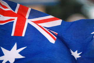 Australia: Facebook i Google będą płacić mediom za newsy