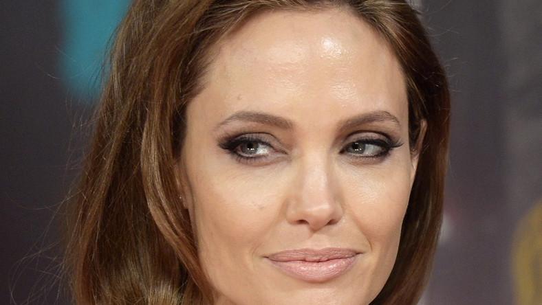 """Angelina Jolie promuje """"Unbroken"""""""