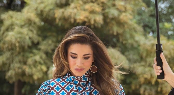 Kraljica Ranija modu drži u malom prstu