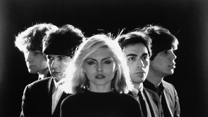 """W tym roku przypada 40-lecie działalności zespołu. Z tej okazji, na rynku ukaże się także specjalny, dwupłytowy zestaw """"Blondie 4(0) Ever"""""""
