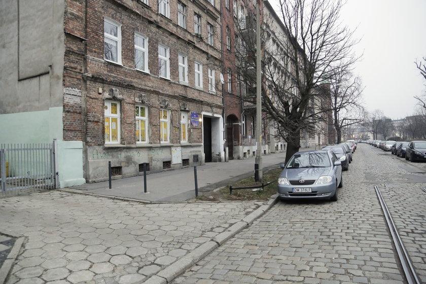 """Punkt przedszkolny """"Chatka Puchatka"""" przy pl. Strzeleckim we Wrocławiu"""