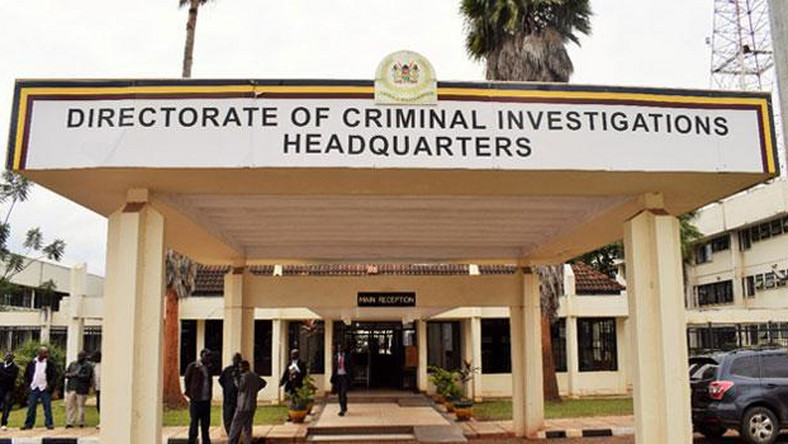 EACC arrests DCI officer Boniface Karuami  while receiving a bribe in  Eldoret