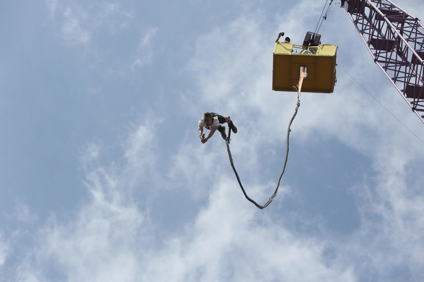 Groza w Gdyni. Wypadek podczas skoku na bungee