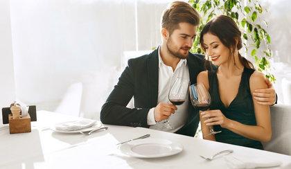 Umawiasz się na randkę przez internet? Te sygnały mówią, że może być groźna!