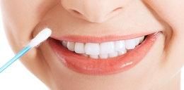 Dzięki tym domowym sposobom szybko wybielisz zęby
