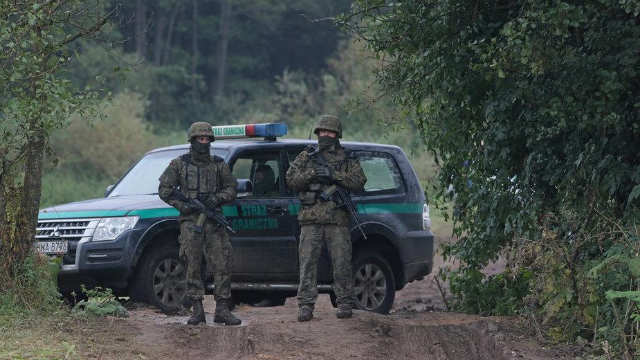 Polscy pogranicznicy przy granicy z Białorusią