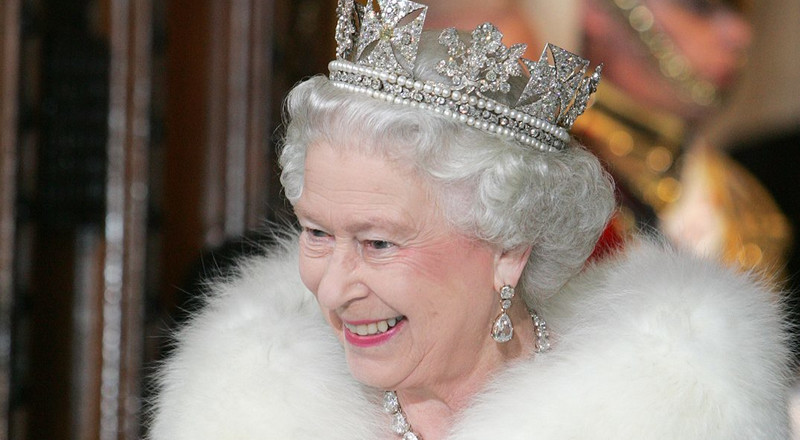 Watch Queen Elizabeth post for the first time on social media