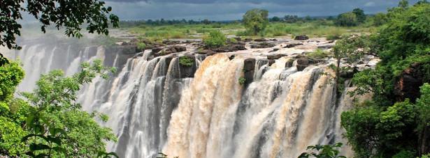 10. Wodospad Wiktorii - – wodospady na rzece Zambezi, na granicy Zimbabwe i Zambii