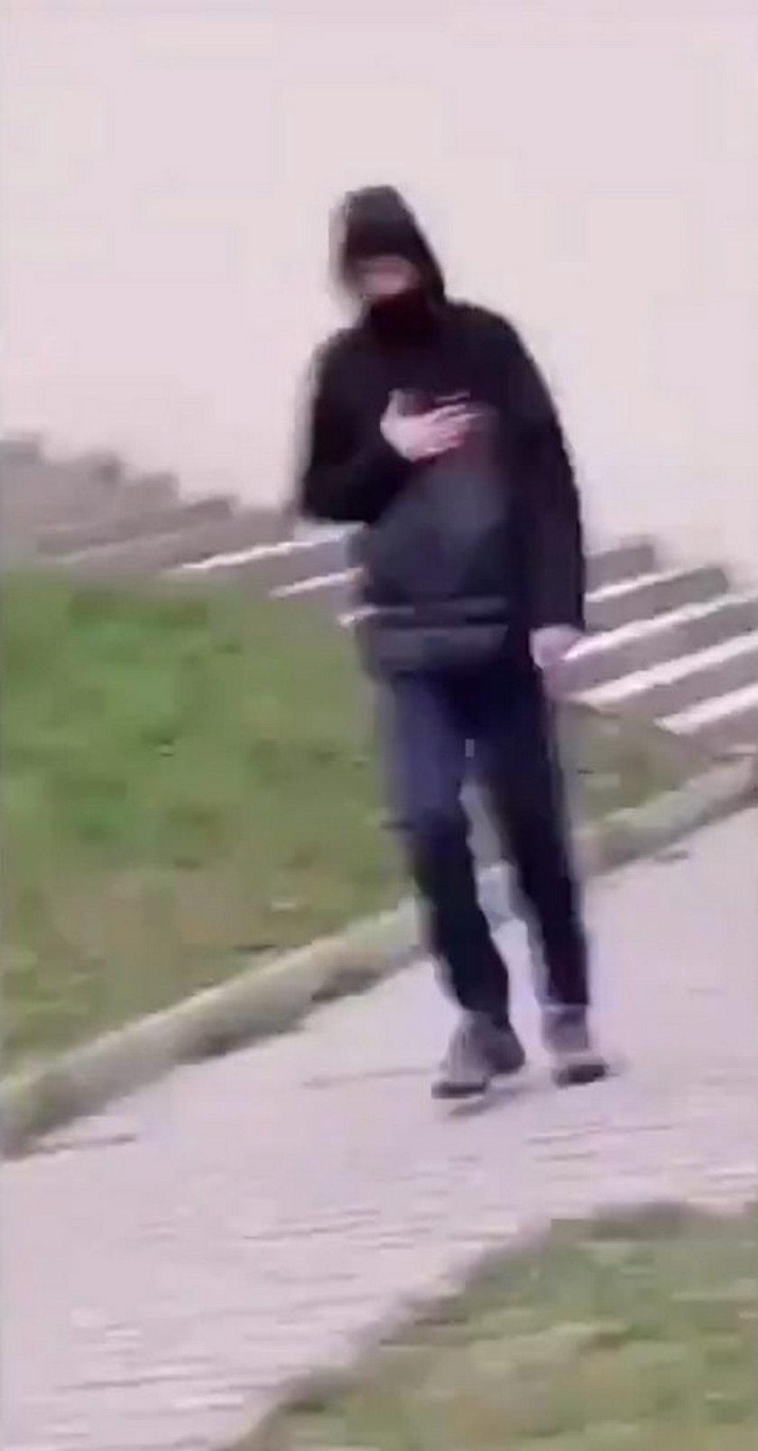 Dzieci znęcały się nad niepełnosprawnym mężczyzną