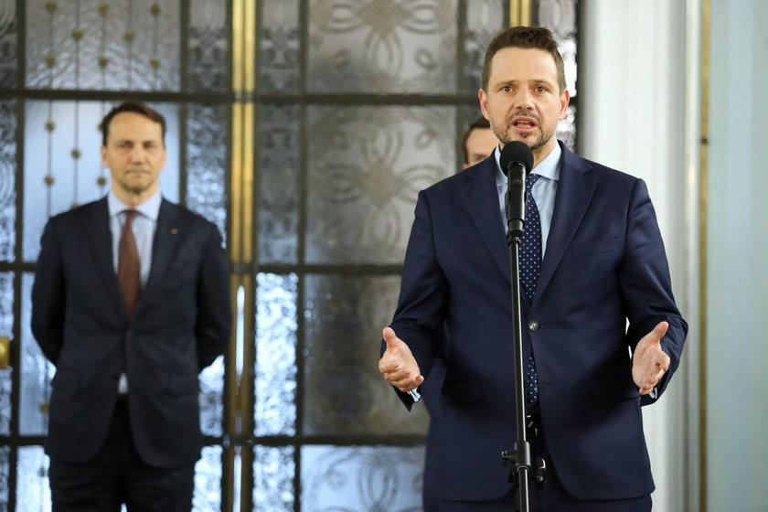 Rafał Trzaskowski, Radosław Sikorski