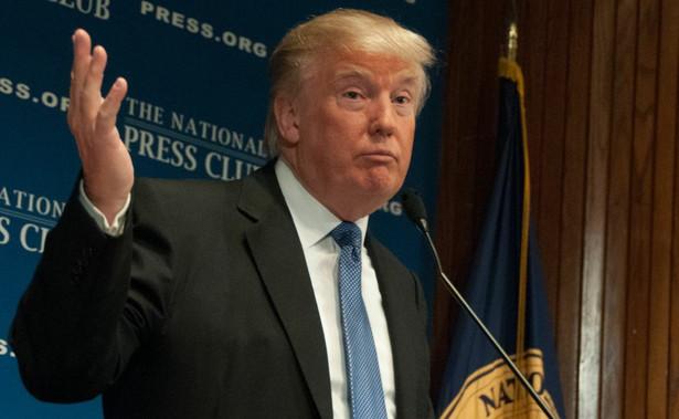 """Trump wyjaśnił, że odroczenie nastąpiło """"na prośbę wicepremiera Chin Liu He oraz z uwagi na fakt, że Chińska Republika Ludowa będzie obchodzić 70. rocznicę istnienia""""."""