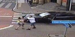 Agresor z porsche zatrzymany. Spoliczkował pieszą na ulicy
