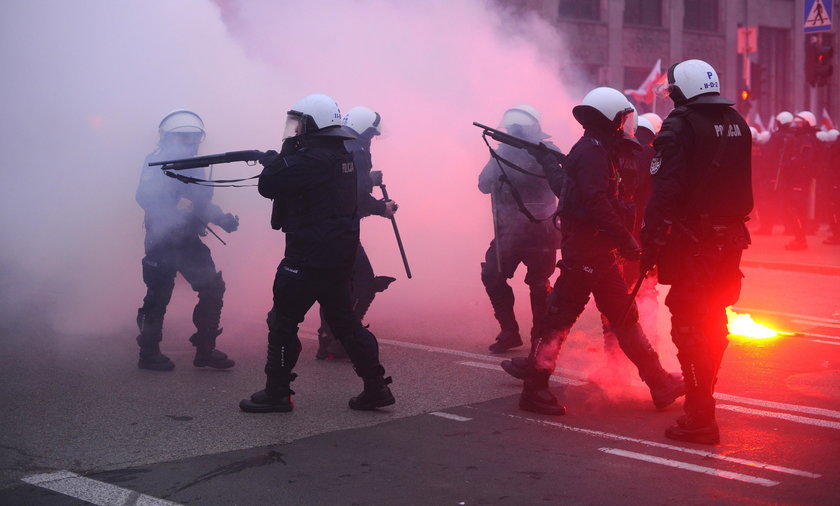 Policja podczas Marszu Niepodległości