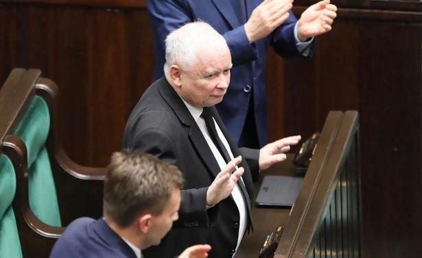 Marszałek Sejmu Elżbieta Witek podjęła po długim zastanawianiu się właściwą decyzję. Nie popełniła przestępstwa anulując głosowanie - oświadczył w piątek szef PiS Jarosław Kaczyński pytany o przebieg czwartkowego głosowania w sprawie wyboru przez Sejm członków Krajowej Rady Sądownictwa.