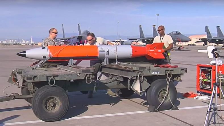 Bomba B61-12 podczas testów w 2015 roku