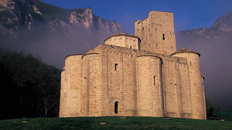 Opactwo San Vittore w Genga, Marche
