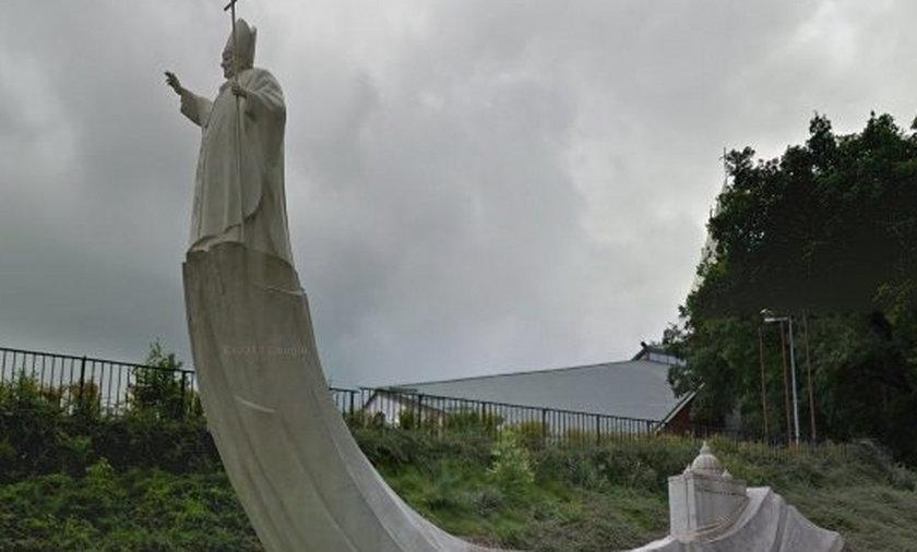 Najgorsze pomniki papieża