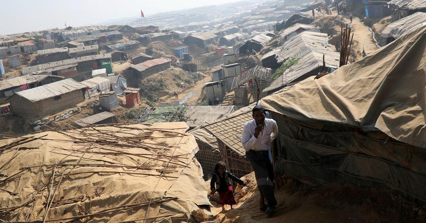 Obóz uchodźców z grupy etnicznej Rohingja w Bangladeszu