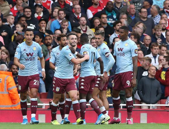 Fudbaleri Aston Vile slave pogodak