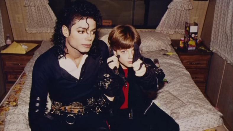 Nie Wszyscy Bojkotują Michaela Jacksona W Opozycji Słynne