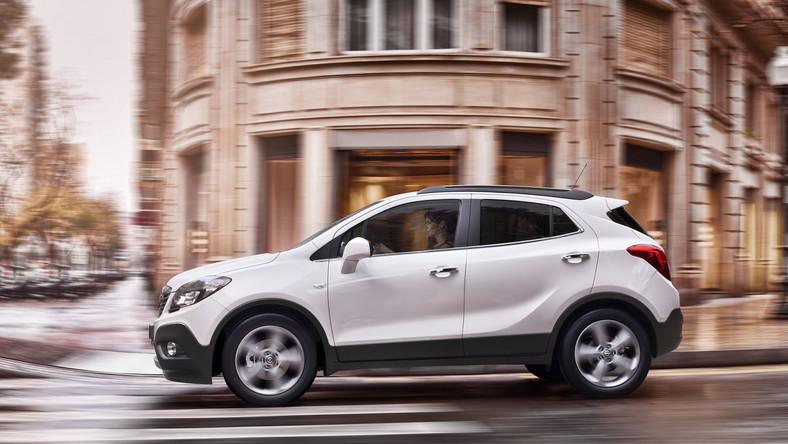 Opel pęka z dumy! Zdaniem przedstawicieli niemieckiej marki ich najnowsze dziecko - model mokka zdobył serca kierowców. Już ponad 25 tys. Europejczyków zdecydowało się na zakup tego modelu, który u dilerów pojawi się dopiero w październiku tego roku