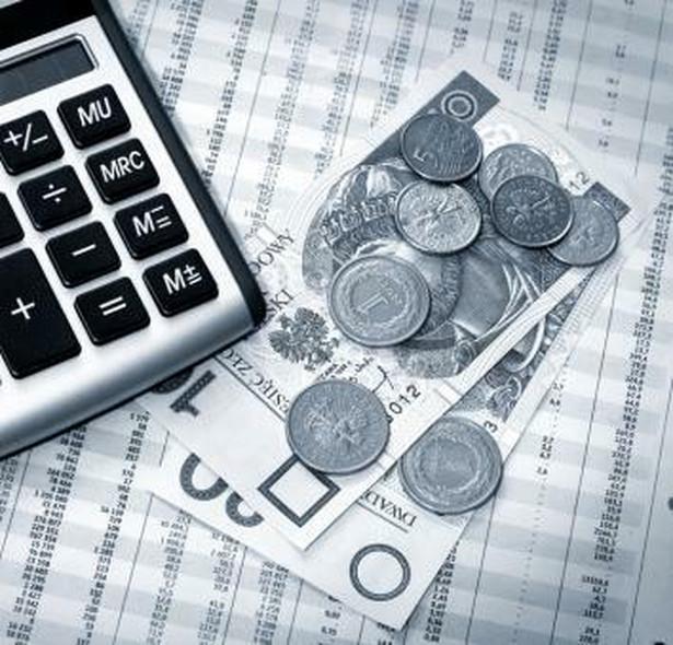 Ministerstwo Finansów w ubiegłorocznej edycji programu konwergencji szacowało spadek deficytu w tym roku na 2,2 proc. PKB.