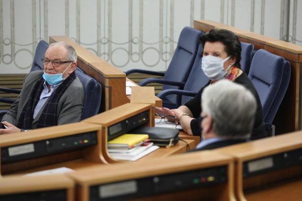 Senatorowie Jerzy Fedorowicz, Ewa Matecka, Bogdan Borusewicz