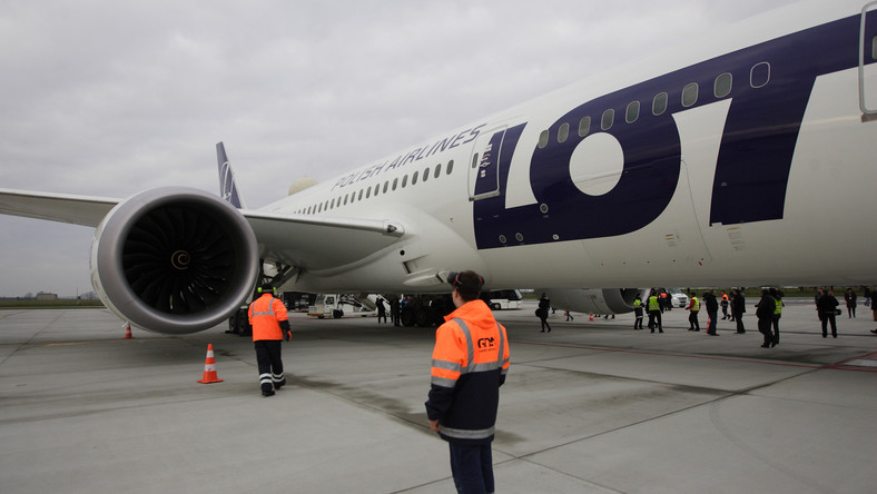 Ekspert o Dreamlinerach: Kolejny blamaż Boeinga i LOT-u