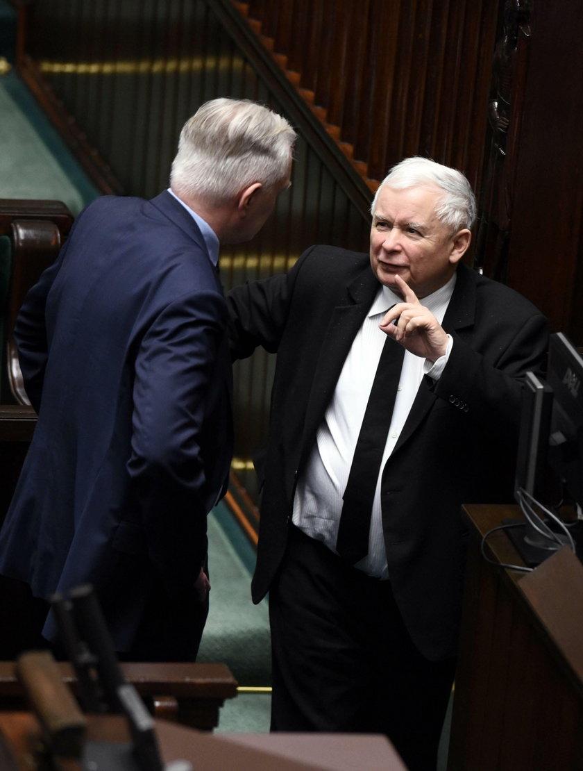 Ludzie Gowina chcą stawiać Kaczyńskiemu warunki