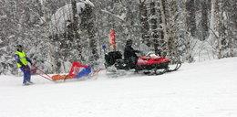 Turyści na zamkniętym szlaku. Zostawił partnerkę w jamie śnieżnej