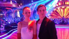 """""""Taniec z gwiazdami"""": Kasia Stankiewicz i Tomek Barański w romantycznym walcu"""