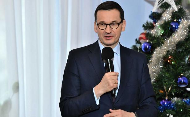 Z oświadczenia majątkowego premiera Morawieckiego, datowanego na 15 listopada 2019 r., wynika, że zgromadził on wtedy 5 mln 100 tys. złotych i miał kilka nieruchomości