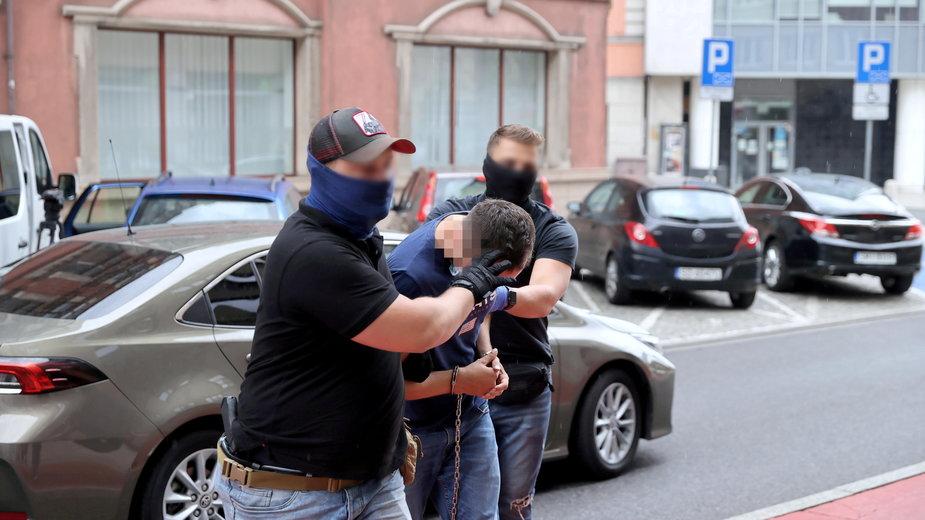 Katowice. Doprowadzenie kierowcy autobusu na przesłuchanie