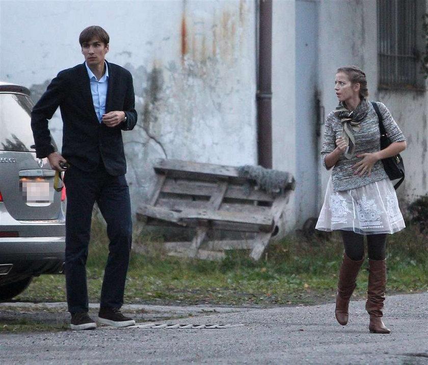 Mąż Przybylskiej zaczął pracę w serialu. Pierwsze zdjęcia