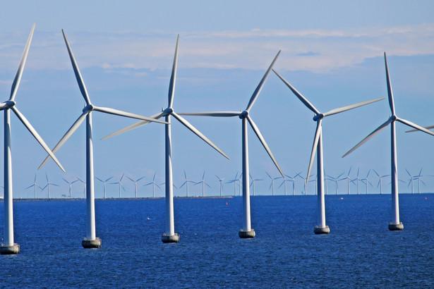 morze, wiatraki, turbiny wiatrowe, OZE
