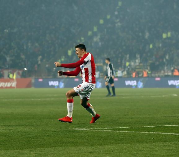 Milan Pavkov slavi gol protiv Partizana