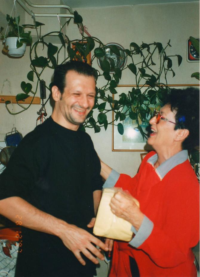 Ruža Subotić sa sinom iz srećnih dana