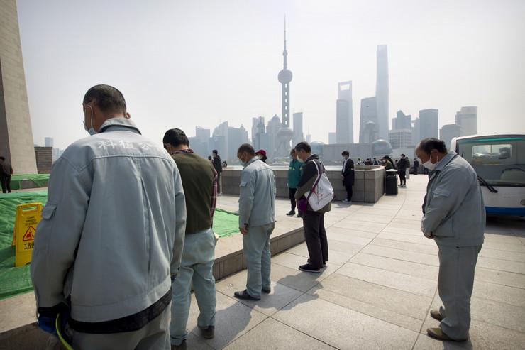 Kina, počast žrtvama, korona virus